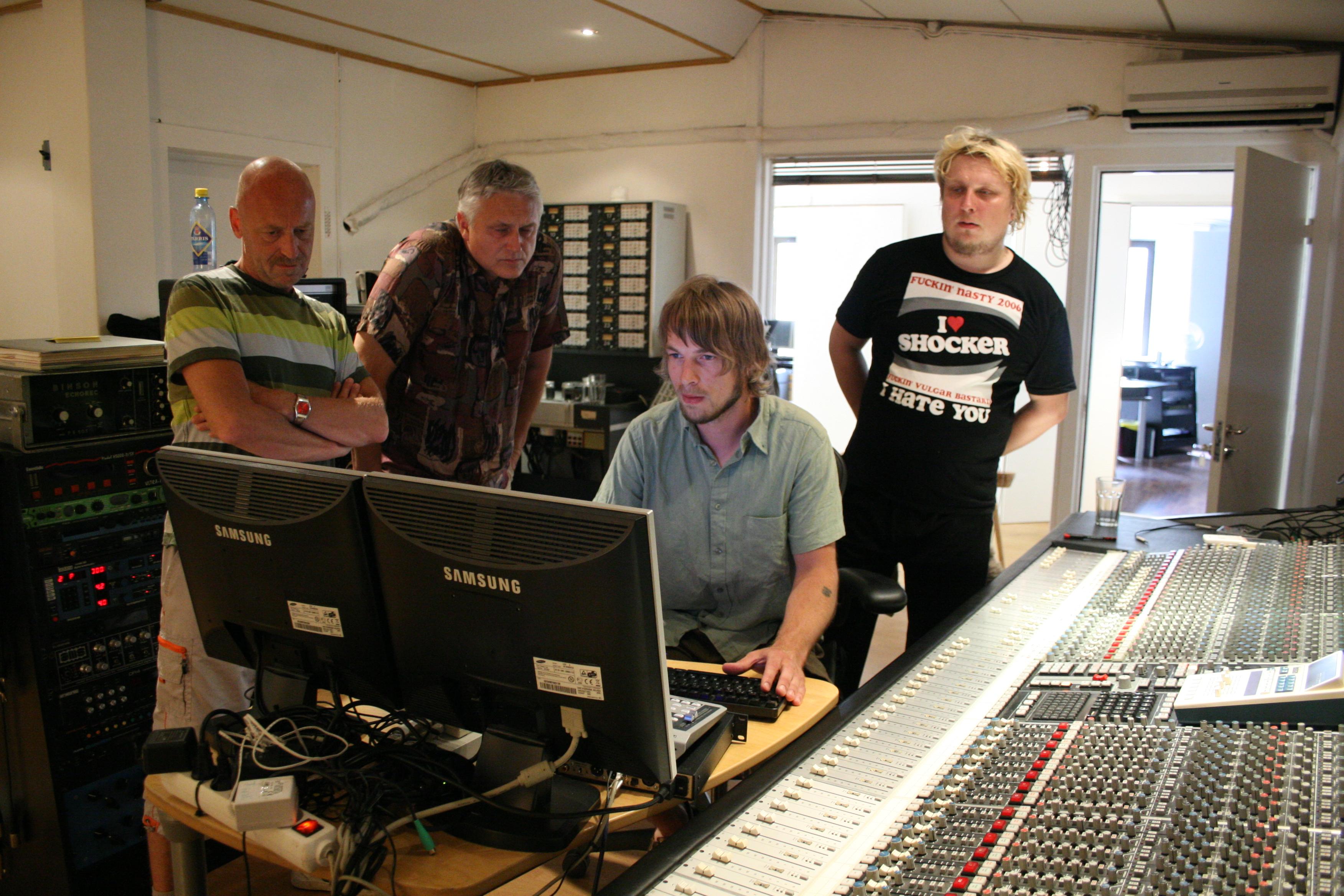Jan, Dag, Johan og Danny lytter