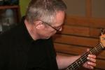 Sigmund legger på bass