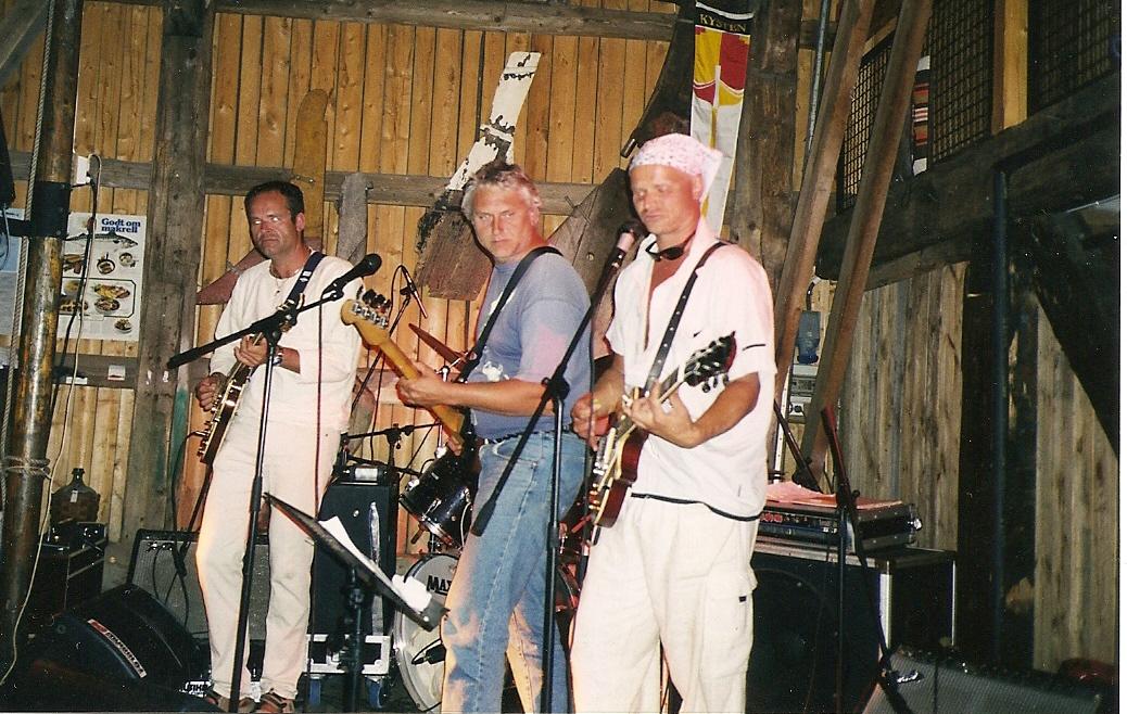 Atle, Dag og Arild Bragdøya sommeren 2000