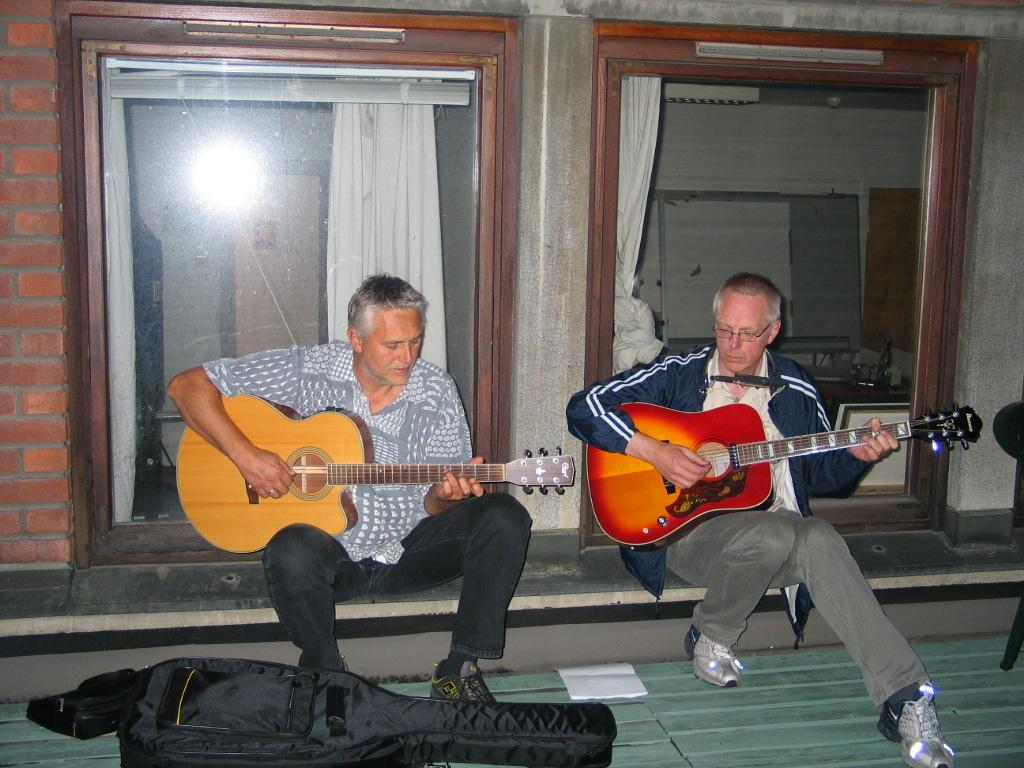 Dag og Sigmund varmer opp august 2005
