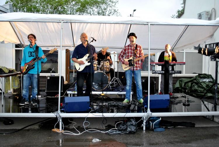 Keep Coming Back Band på Manglerud Ungdomshus tjueåttende mai tjue elleve.